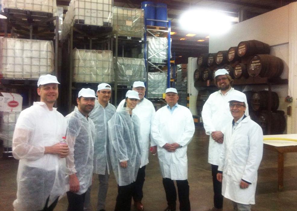 Nuestros clientes de la República Checa visitan las instalaciones de Licores SincImagen Destilerias Sinc